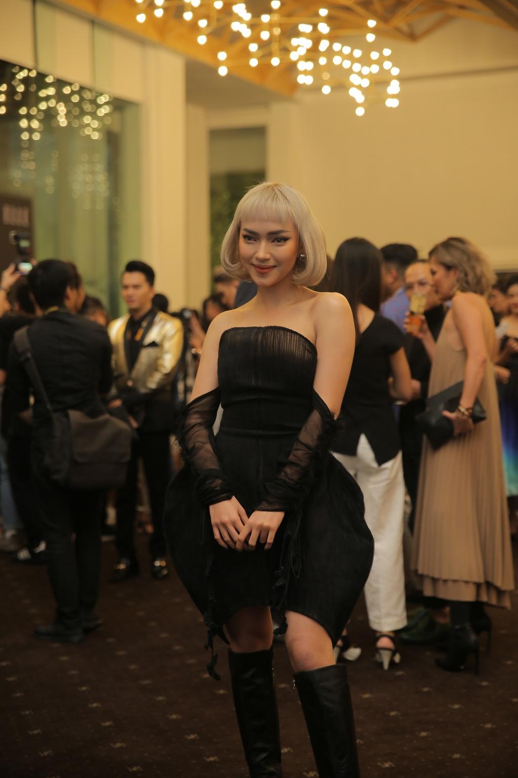 Thanh Hang dien menswear, Chau Bui ca tinh du show thoi trang hinh anh 3