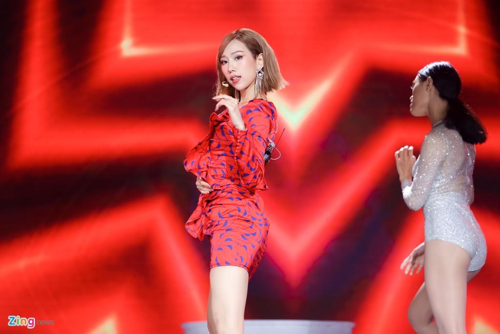 Ji Yeon va Soobin lan dau song ca trong dem nhac Viet - Han tai TP.HCM hinh anh 6