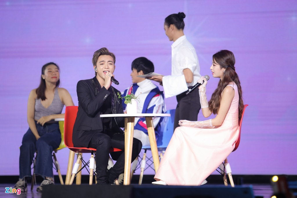 Ji Yeon va Soobin lan dau song ca trong dem nhac Viet - Han tai TP.HCM hinh anh 8