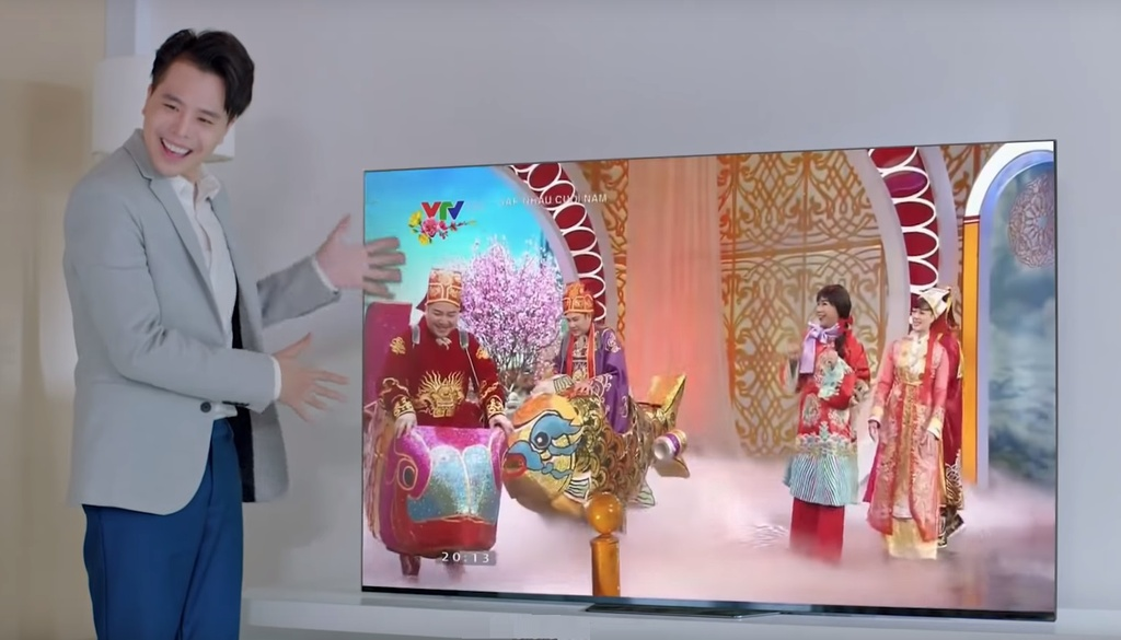 Trinh Thang Binh thoat e, chinh phuc gia dinh ban gai trong clip moi hinh anh 6