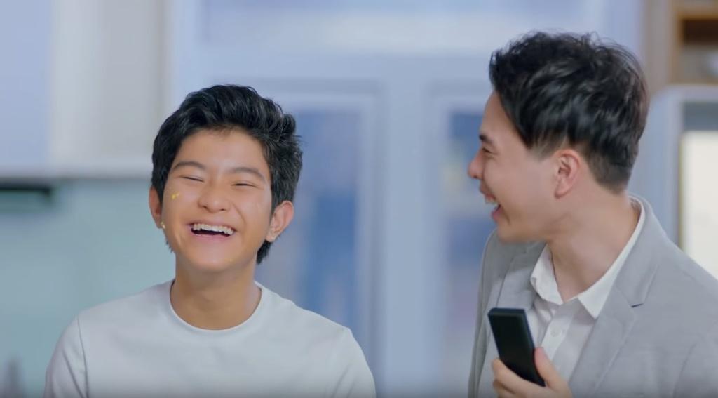 Trinh Thang Binh thoat e, chinh phuc gia dinh ban gai trong clip moi hinh anh 8