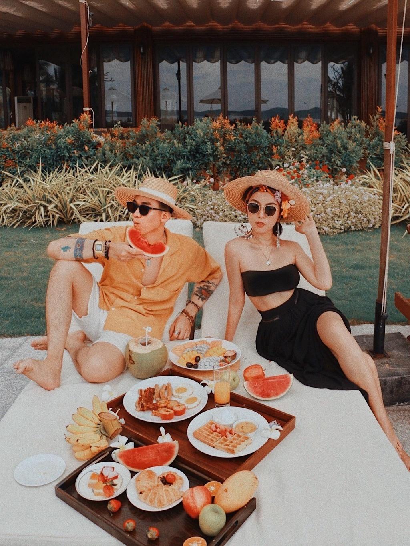 Cong thuc pose hinh nghin like cua travel blogger Ha Truc hinh anh 5