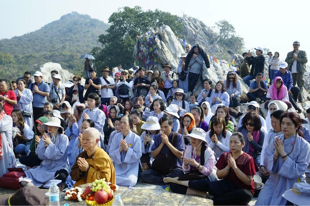 Theo chan Phat tu Viet hanh huong den dat thieng An Do - Nepal hinh anh 7