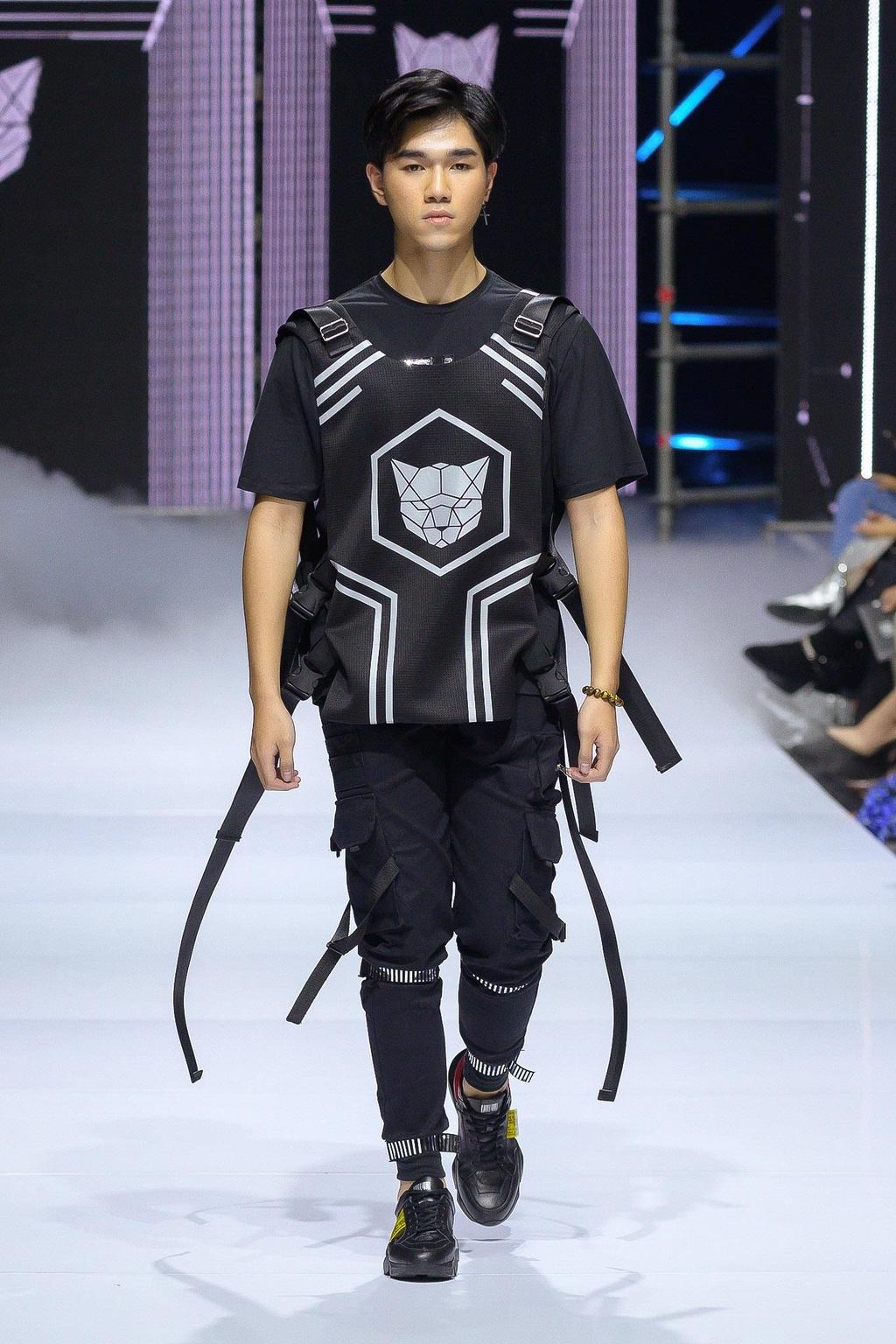 NTK Chung Thanh Phong mo man Aquafina VIFW 2019 hinh anh 8