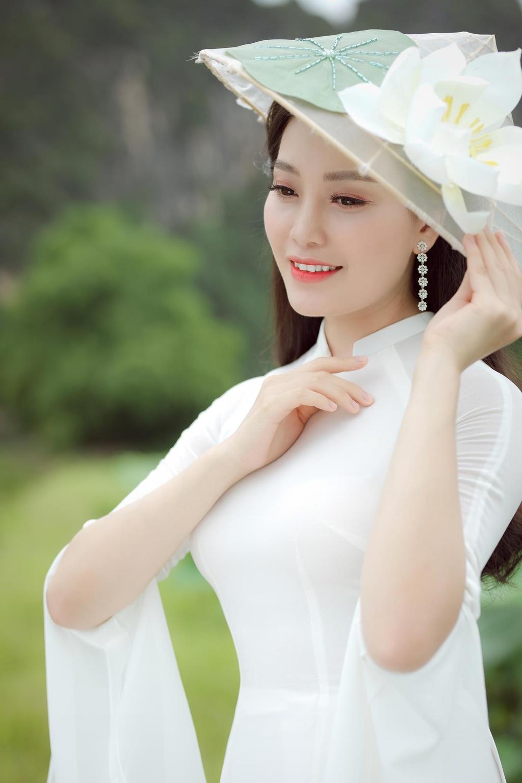 Ca si Huyen Trang anh 2