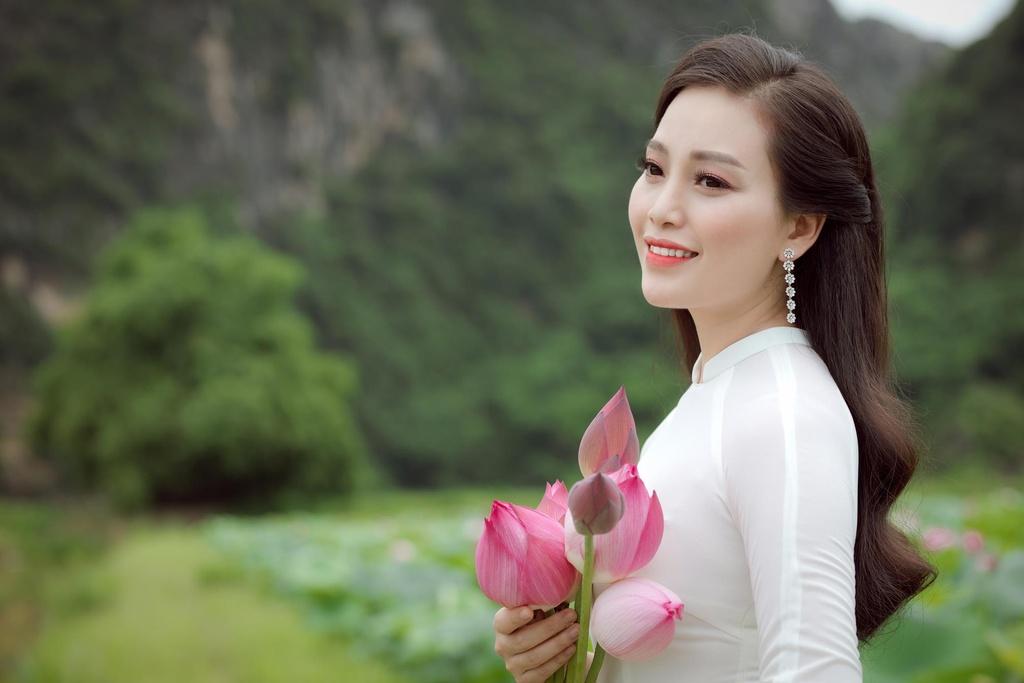 Ca si Huyen Trang anh 3