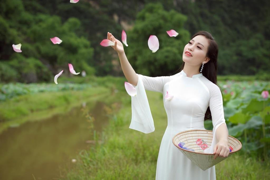 Ca si Huyen Trang anh 9