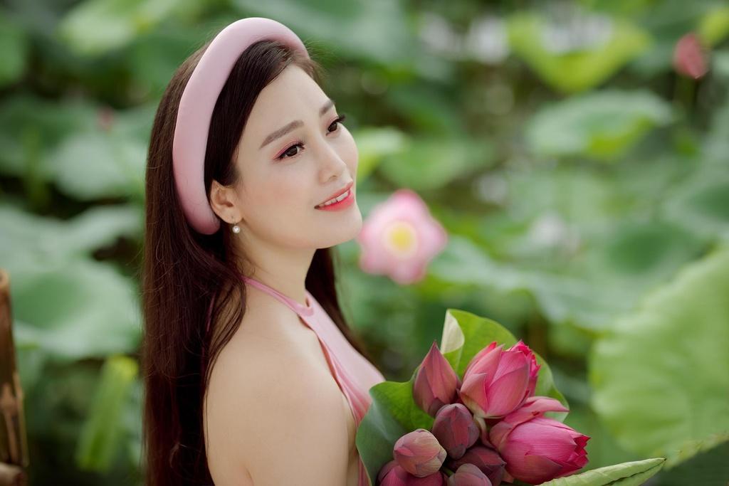 Ca si Huyen Trang anh 8