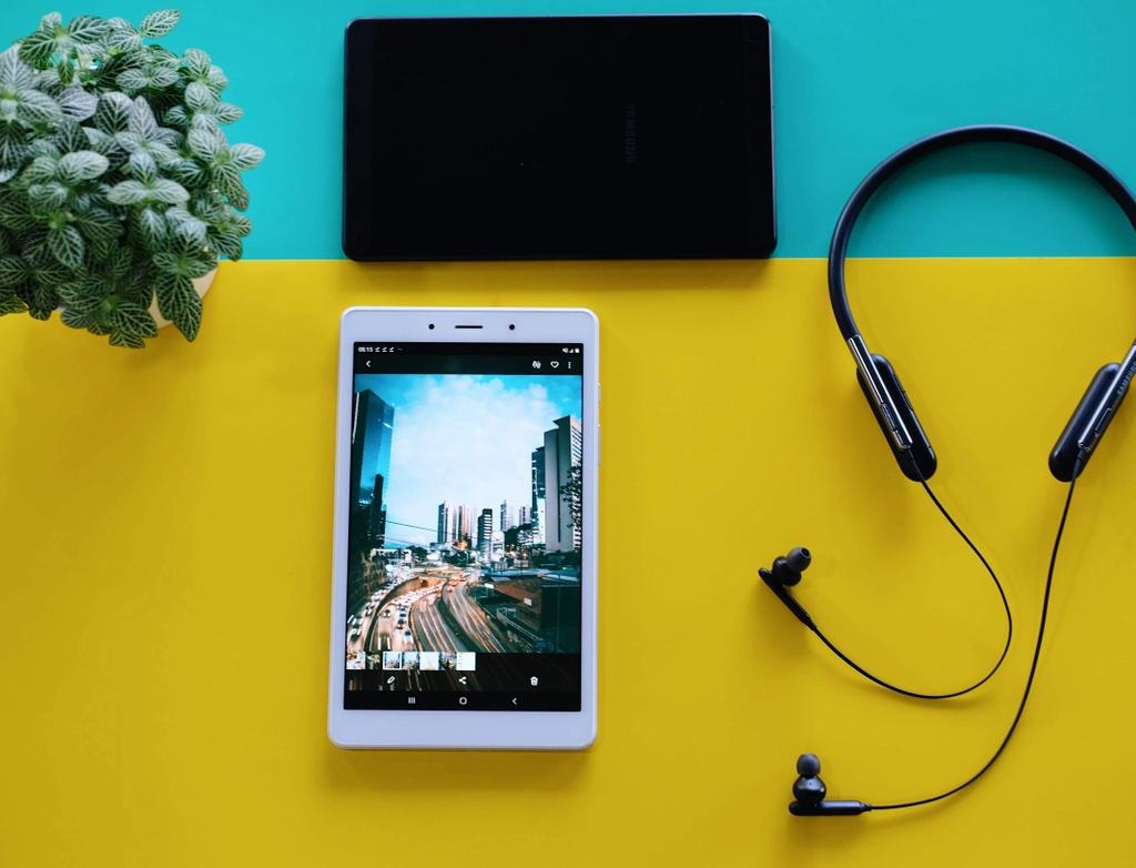 May tinh bang Samsung Galaxy Tab A8 anh 2