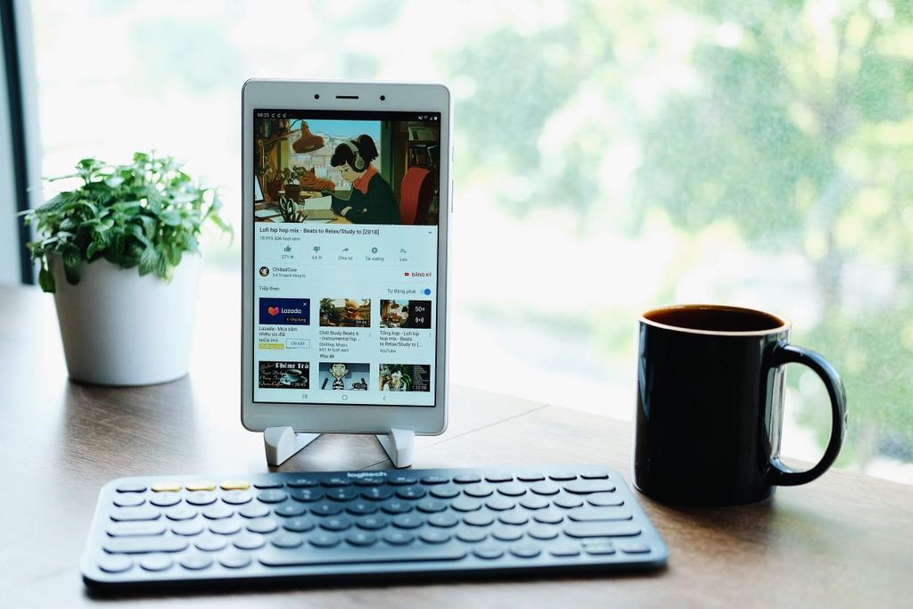 May tinh bang Samsung Galaxy Tab A8 anh 3