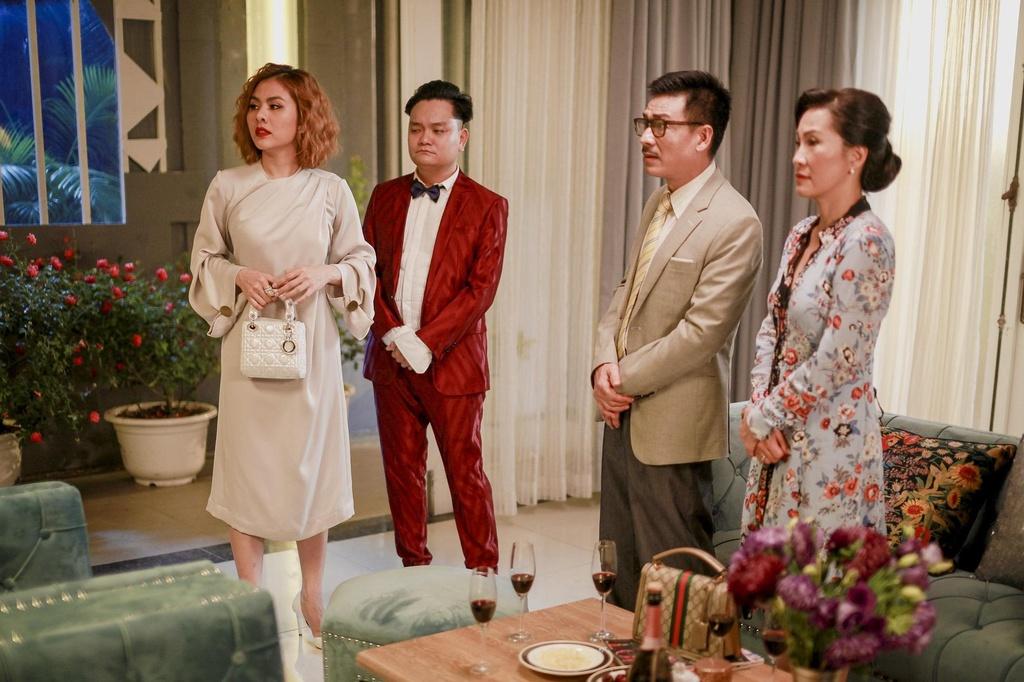 Hoang Yen Chibi tuyen bo co bau trong trailer 'Ngoi nha buom buom' hinh anh 4