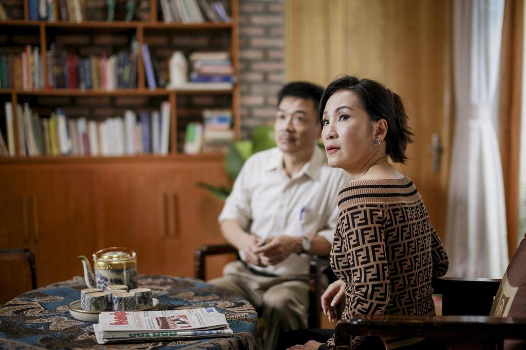 Hoang Yen Chibi tuyen bo co bau trong trailer 'Ngoi nha buom buom' hinh anh 7