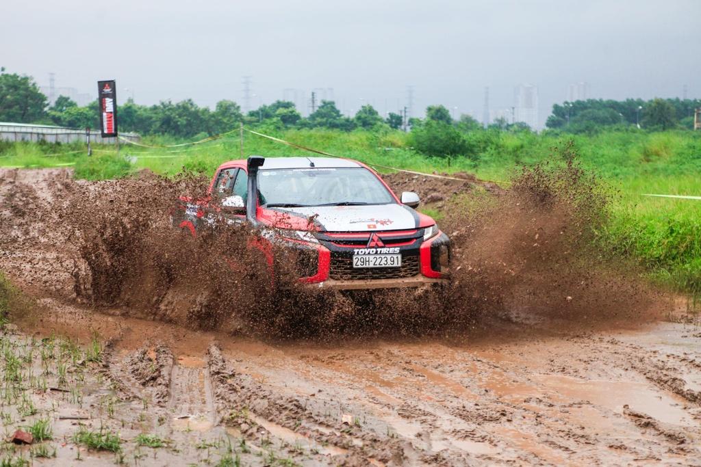 Racing AKA tham gia giai dua xe dia hinh Asian Cross Country Rally hinh anh 2