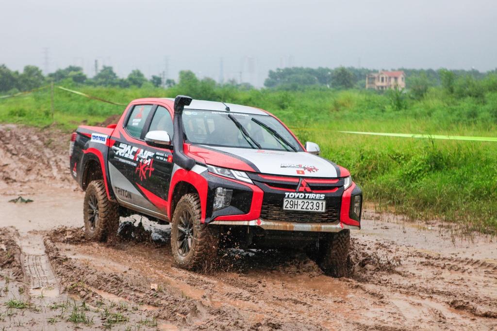 Racing AKA tham gia giai dua xe dia hinh Asian Cross Country Rally hinh anh 3