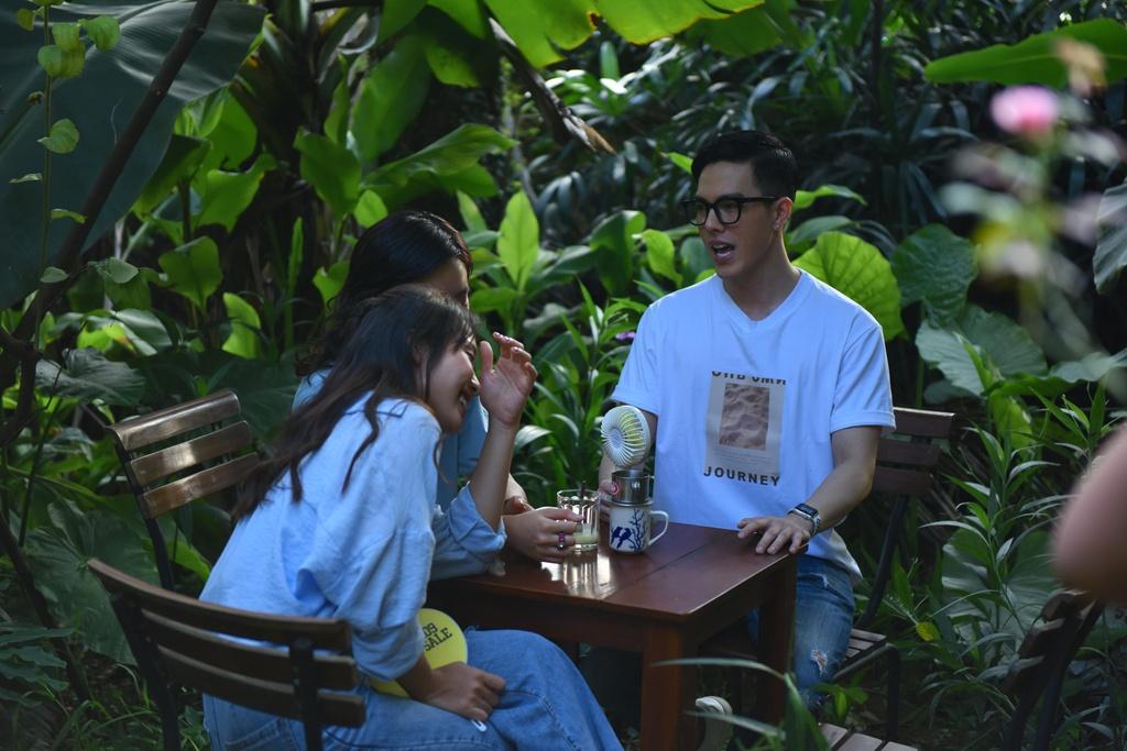 Chau Bui, Kha Ngan hoi ngo 'hot boy cover' Minh Chau tai Ha Noi hinh anh 3