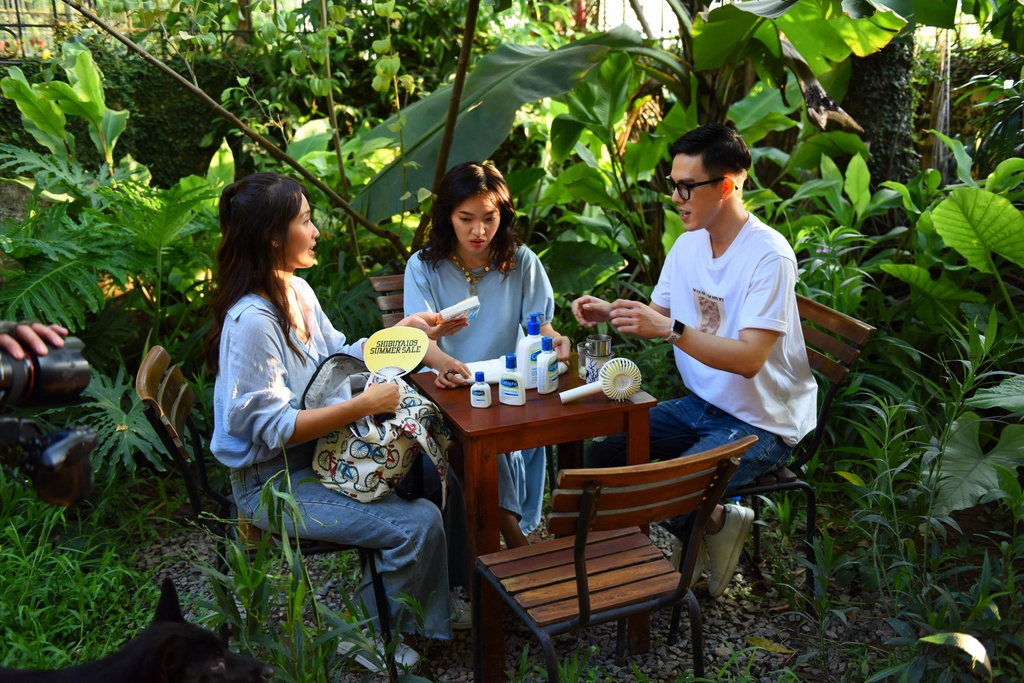 Chau Bui, Kha Ngan hoi ngo 'hot boy cover' Minh Chau tai Ha Noi hinh anh 4