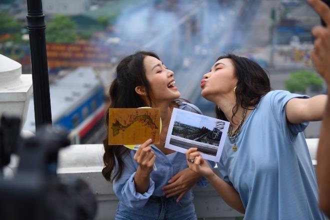 Chau Bui, Kha Ngan hoi ngo 'hot boy cover' Minh Chau tai Ha Noi hinh anh 2