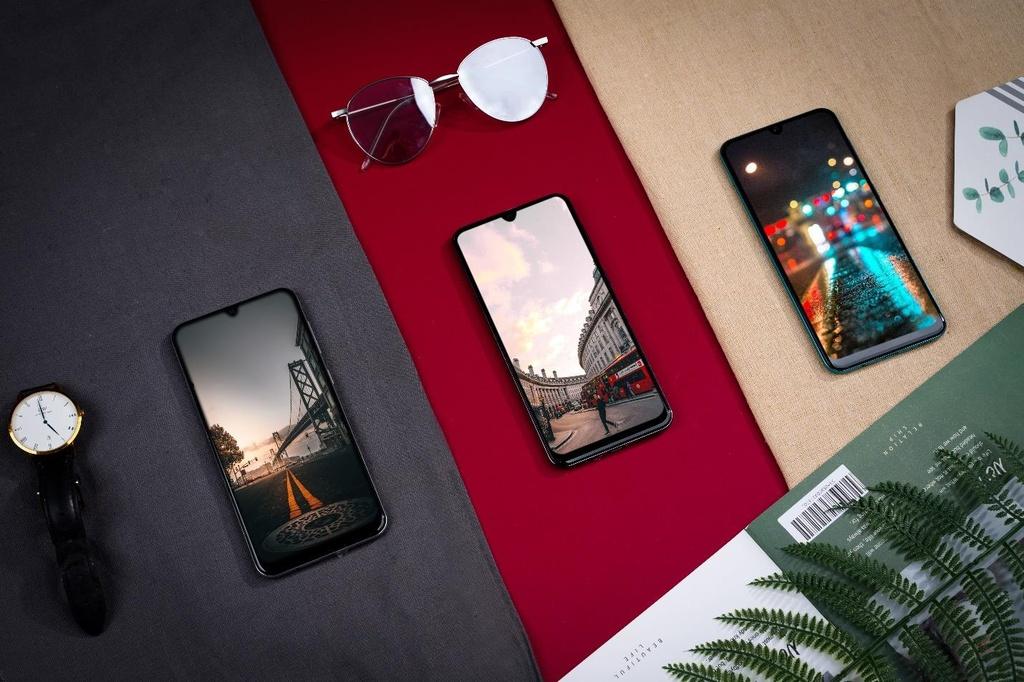Galaxy A50s sac nhanh 10 phut co 10 gio nghe nhac, camera truoc 32 MP hinh anh 7