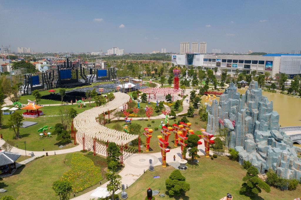 Toc Tien khoe dang tai le khai truong khu vuon mang van hoa Nhat Ban hinh anh 4