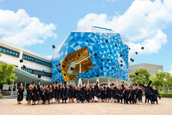 Khoảnh khắc ấn tượng trong lễ tốt nghiệp tại Đại học Anh quốc Việt Nam