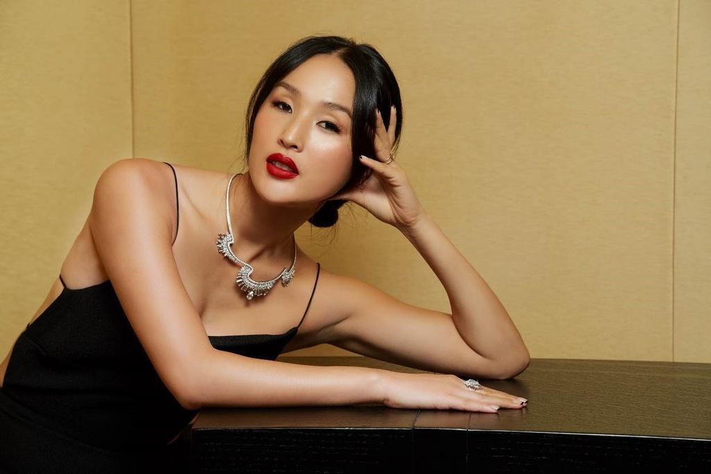 Kong Hyo-Jin, Sririta Jensen, Chau Bui hoi ngo tai su kien cua Piaget hinh anh 3
