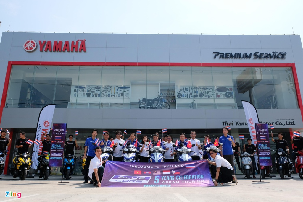 Doan xe tay ga Yamaha 'phuot' hon 1.000 km gap Valentino Rossi hinh anh 8