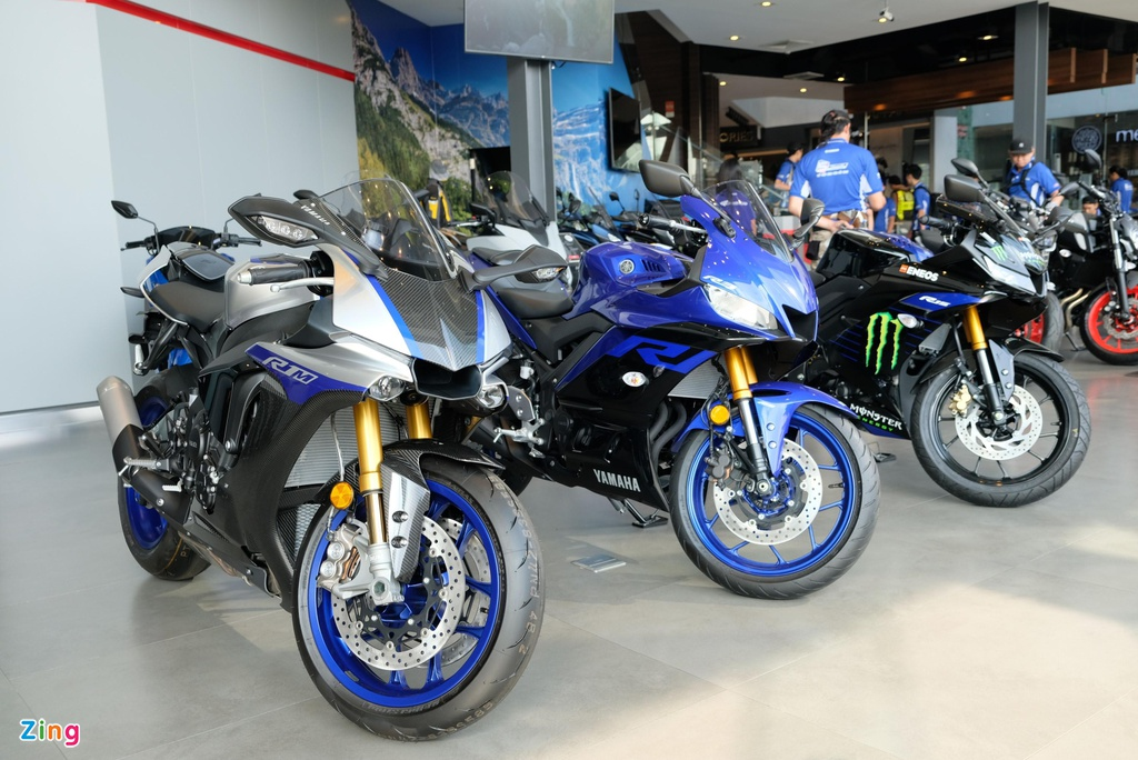 Doan xe tay ga Yamaha 'phuot' hon 1.000 km gap Valentino Rossi hinh anh 6