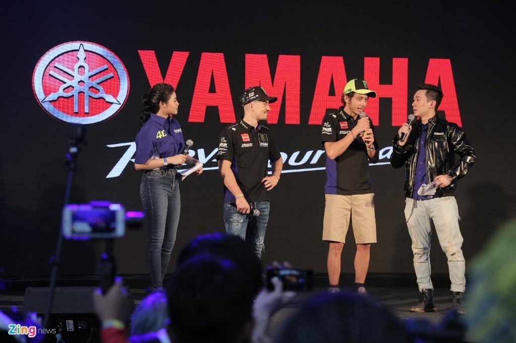 Doan xe tay ga Yamaha 'phuot' hon 1.000 km gap Valentino Rossi hinh anh 1