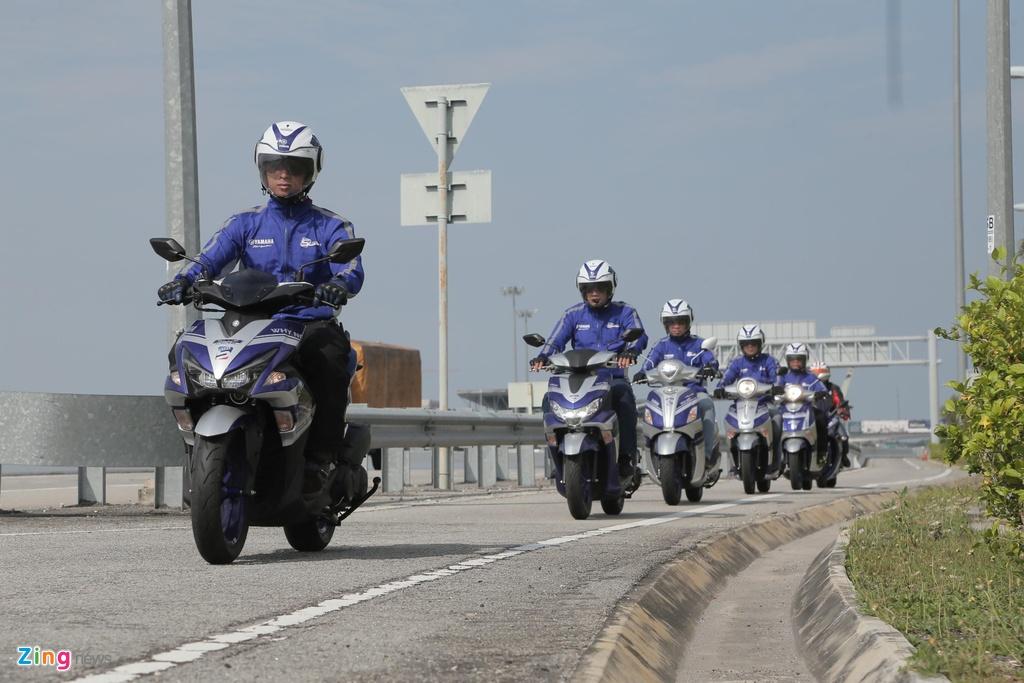Doan xe Yamaha vuot mua lon, chinh phuc hon 500 km tai Malaysia hinh anh 4