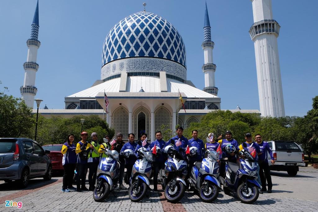 Doan xe Yamaha vuot mua lon, chinh phuc hon 500 km tai Malaysia hinh anh 9