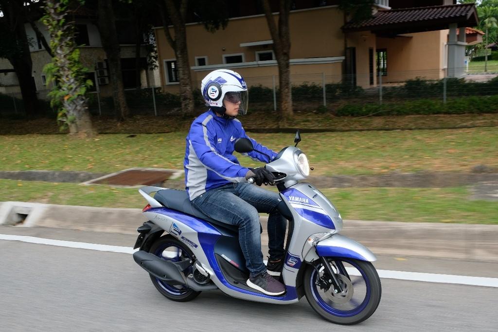 Hoan thanh 2.500 km, Yamaha chung minh xe tay ga khong chi de dao pho hinh anh 8