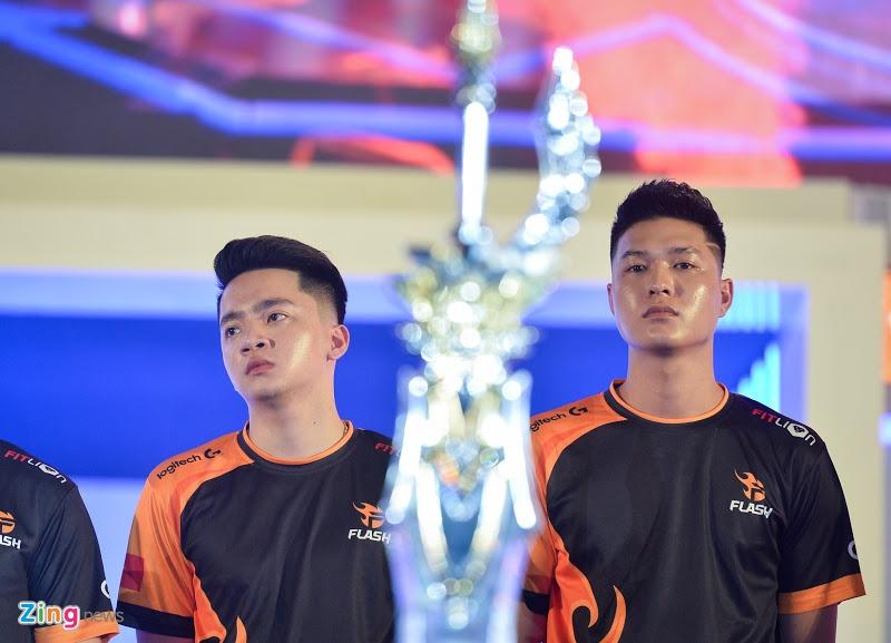 Chung ket Lien Quan Mobile anh 2