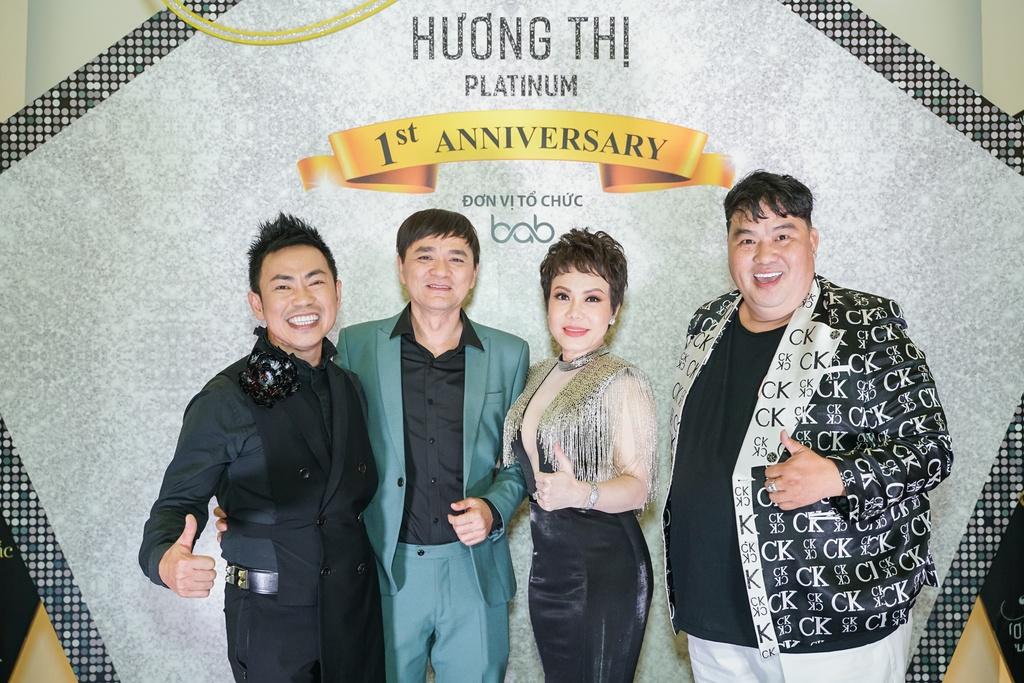 Ky Duyen dien dam sequin, Minh Tuyet rang ro den chuc mung Viet Huong hinh anh 9