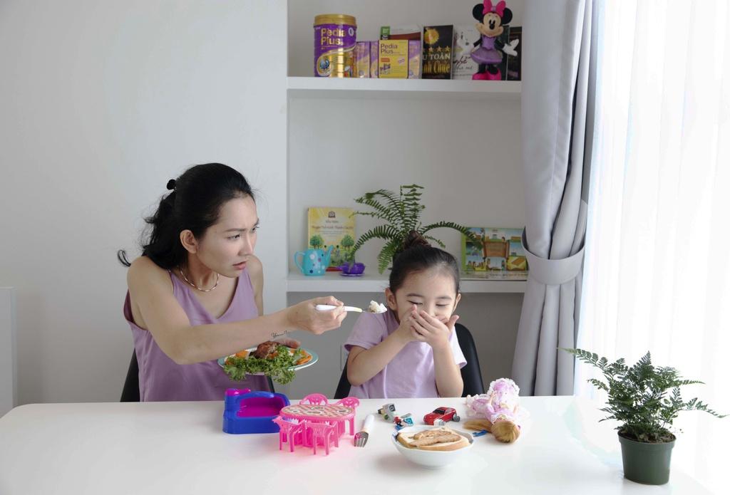 Kim Hien ke chuyen o My: 'Toi van co khan gia hai ngoai thuong minh' hinh anh 5