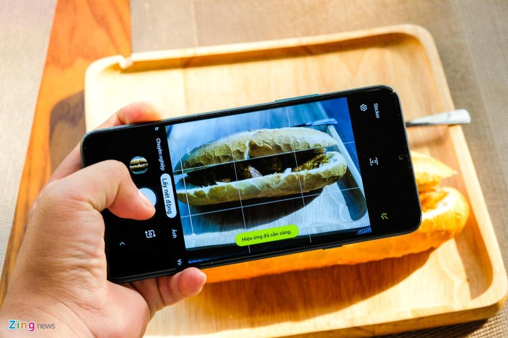 Samsung Galaxy A20s gia re anh 3
