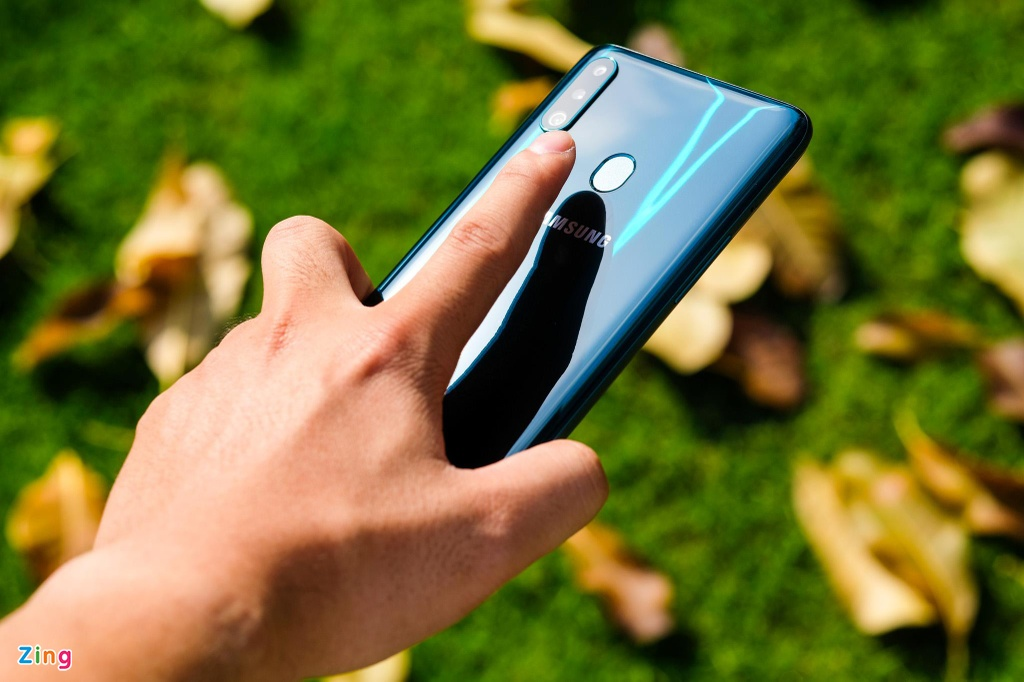 Samsung Galaxy A20s gia re anh 8