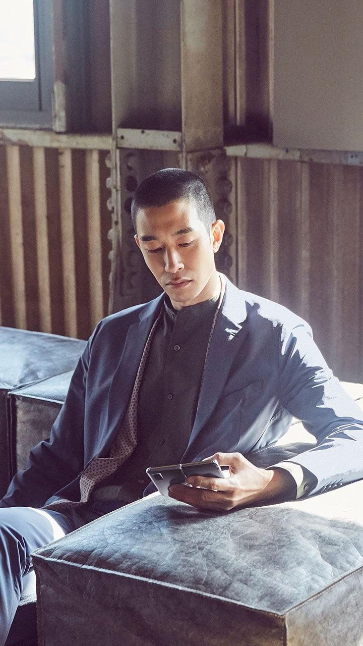 Galaxy Fold smartphone man hinh gap cao cap anh 2
