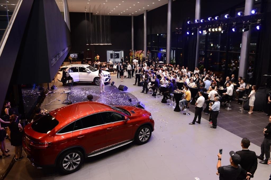 Showroom Mercedes-Benz dat chuan MAR2020 di vao hoat dong tai VN hinh anh 1
