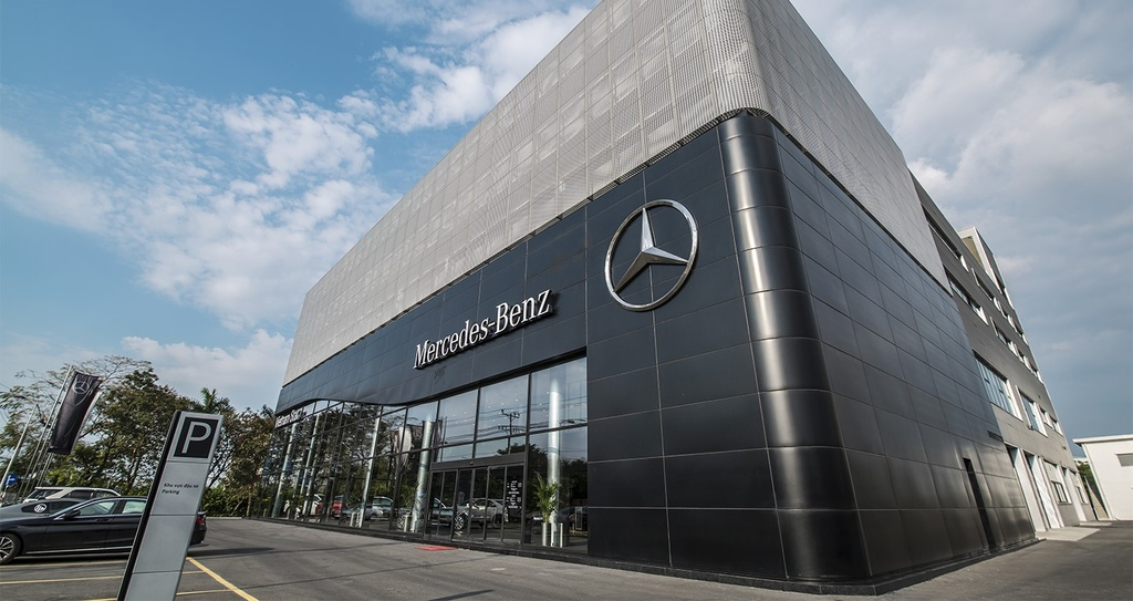 Showroom Mercedes-Benz dat chuan MAR2020 di vao hoat dong tai VN hinh anh 3