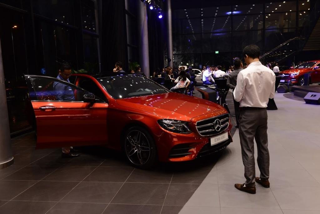 Showroom Mercedes-Benz dat chuan MAR2020 di vao hoat dong tai VN hinh anh 6