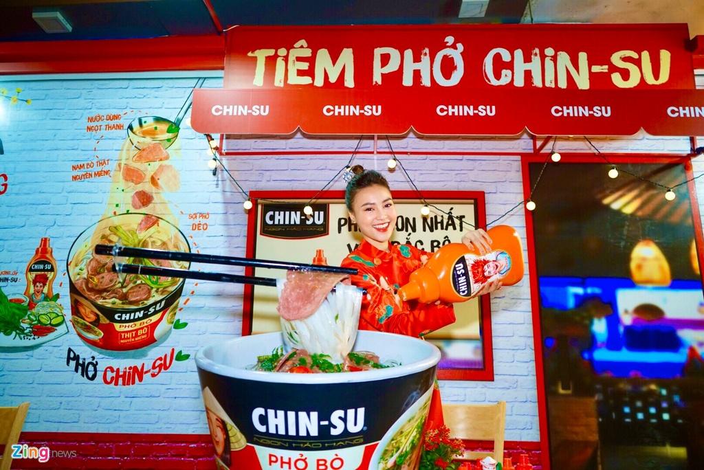 Bo tui diem check-in mua Tet cua Ninh Duong Lan Ngoc va nguoi dep Viet hinh anh 2 b_zing_chin_su.jpeg