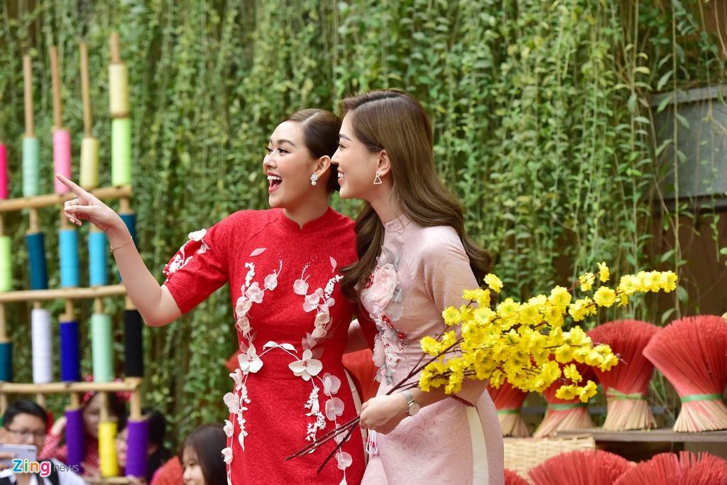 Bo tui diem check-in mua Tet cua Ninh Duong Lan Ngoc va nguoi dep Viet hinh anh 3 c_zing_chin_su_2_.JPG