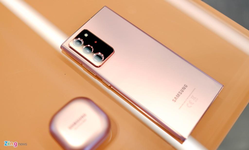 Nen mua Galaxy Note20 Ultra o dau anh 4