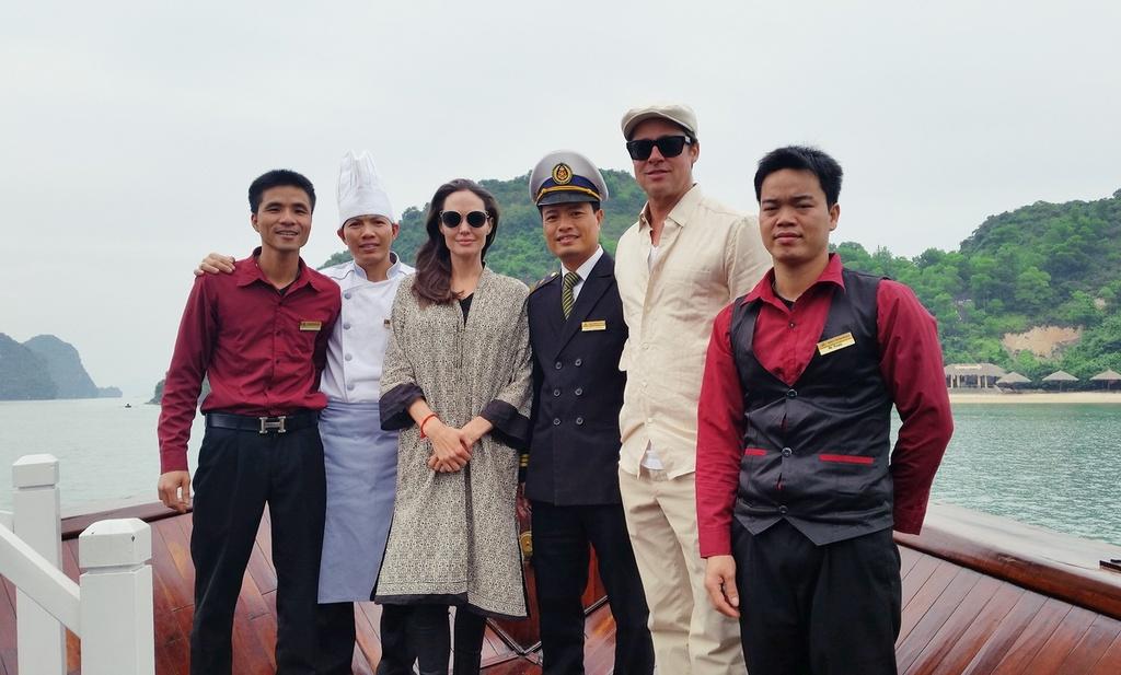Angelina Jolie - Brad Pitt tham vinh Ha Long bang tau 5 sao hinh anh 1