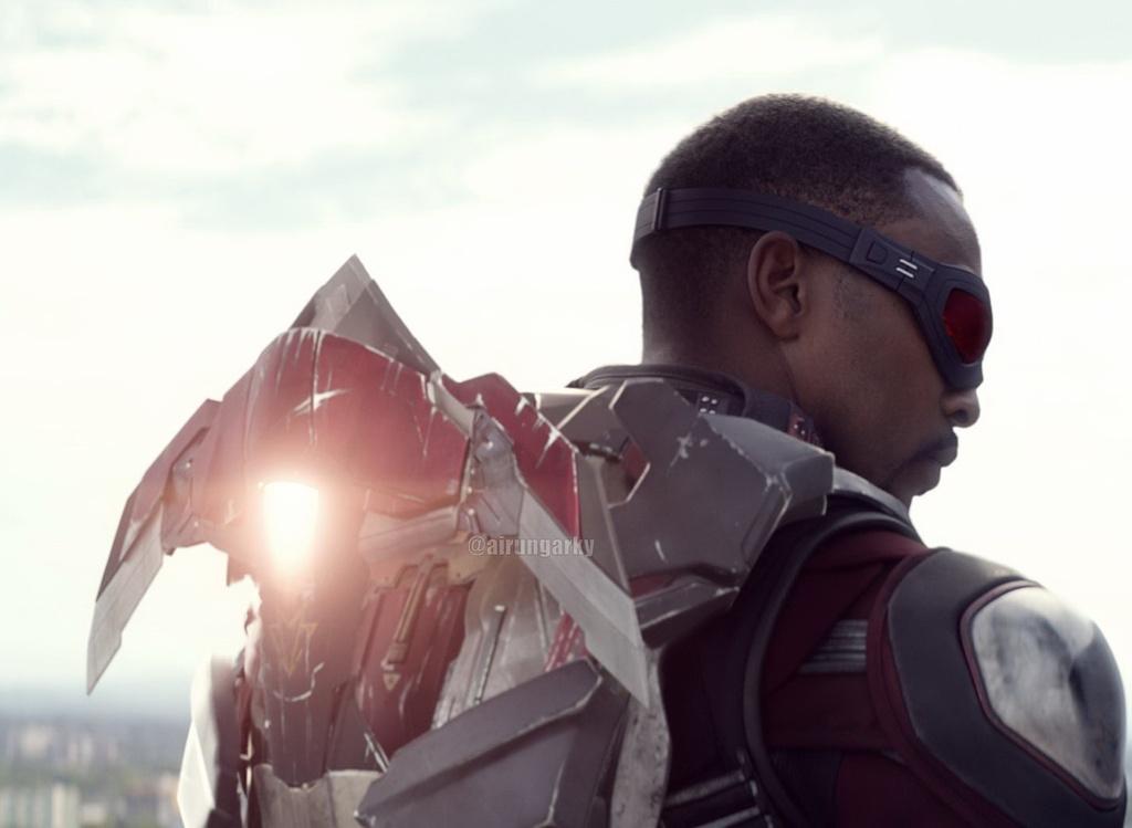 Nhung chi tiet thu vi an giau trong 'Captain America 3' hinh anh 2