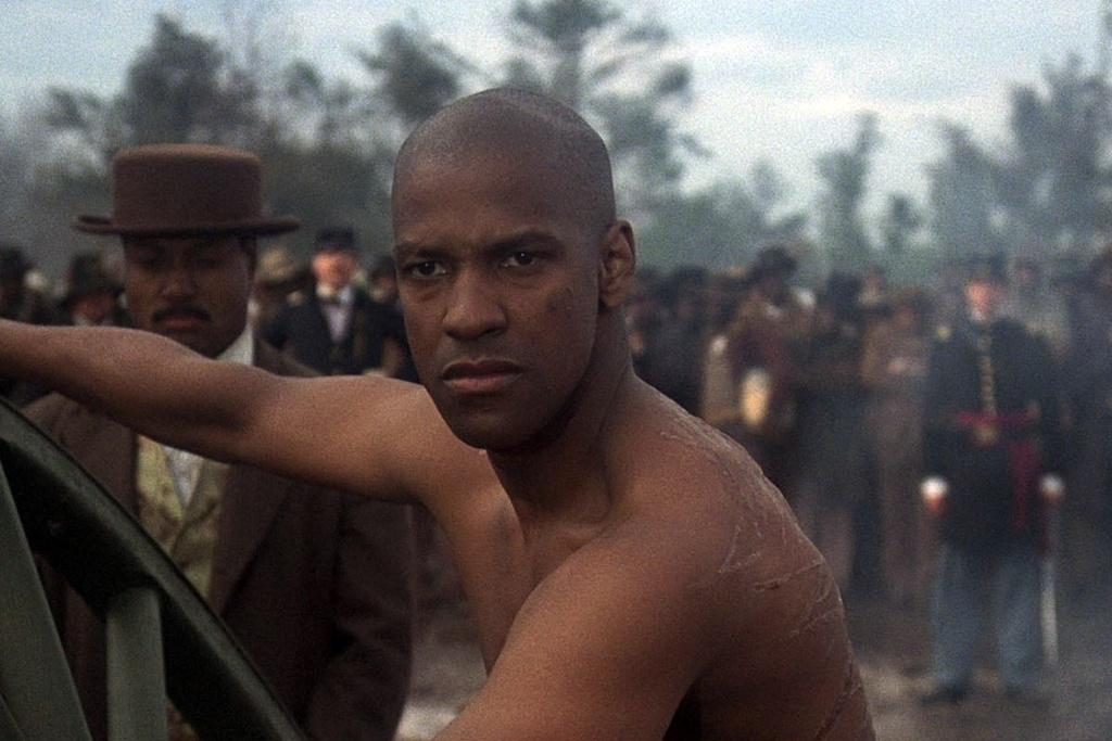10 bo phim xuat sac cua ngoi sao da mau Denzel Washington hinh anh 9