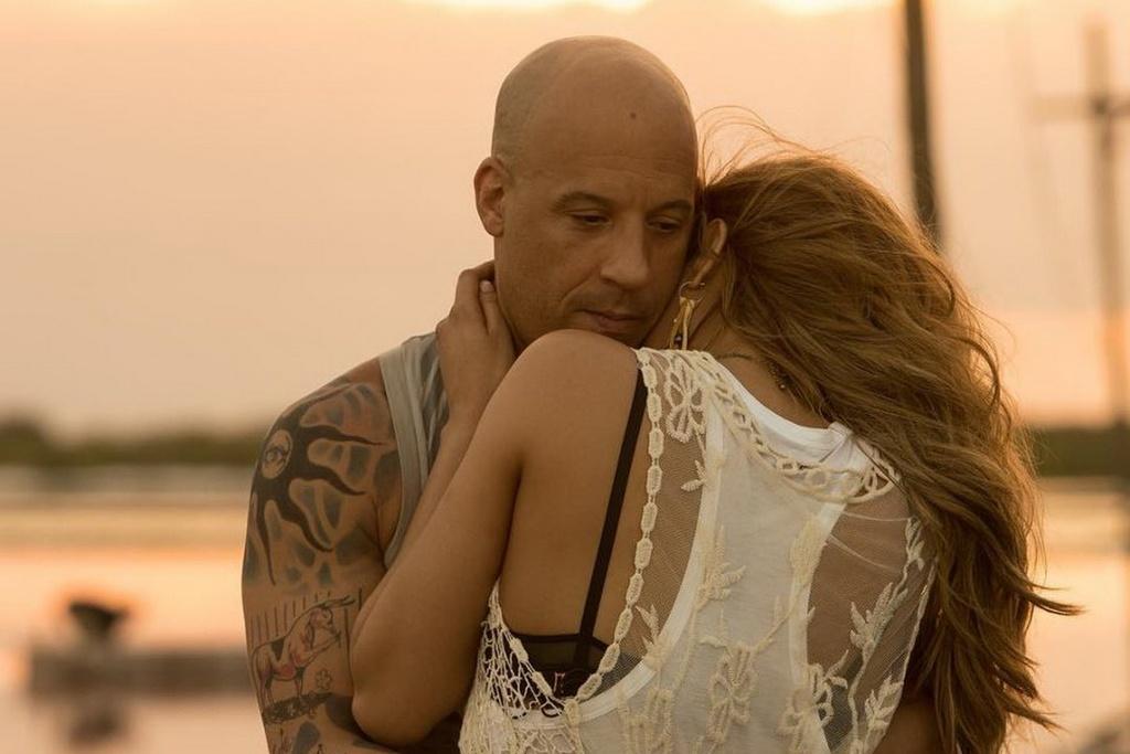 Dan my nhan nong bong ben Vin Diesel trong 'xXx 3' hinh anh 9
