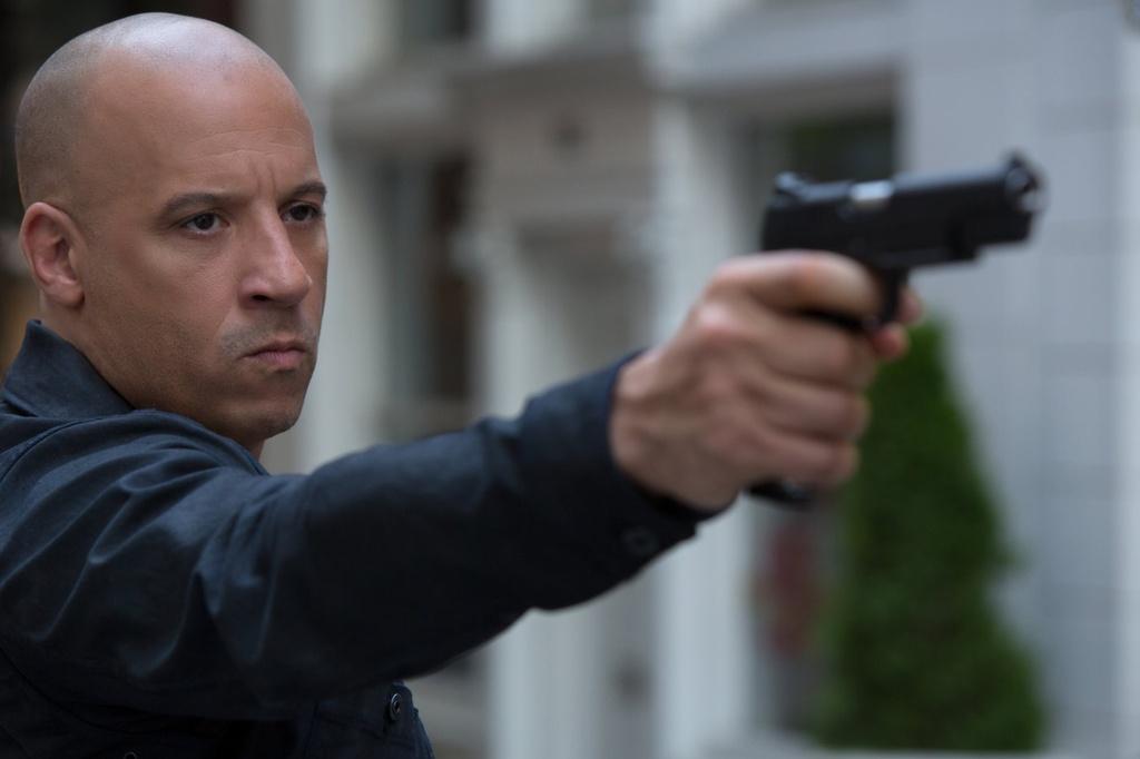 Cai va giua Vin Diesel va The Rock anh huong den 'Fast 8' nhu the nao? hinh anh 5