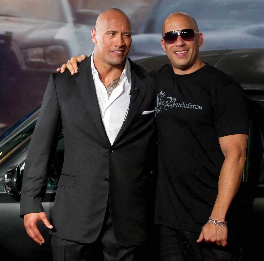 Cai va giua Vin Diesel va The Rock anh huong den 'Fast 8' nhu the nao? hinh anh 2