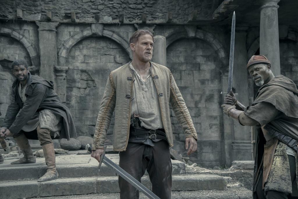 tai sao King Arthur that bai tai phong ve anh 1